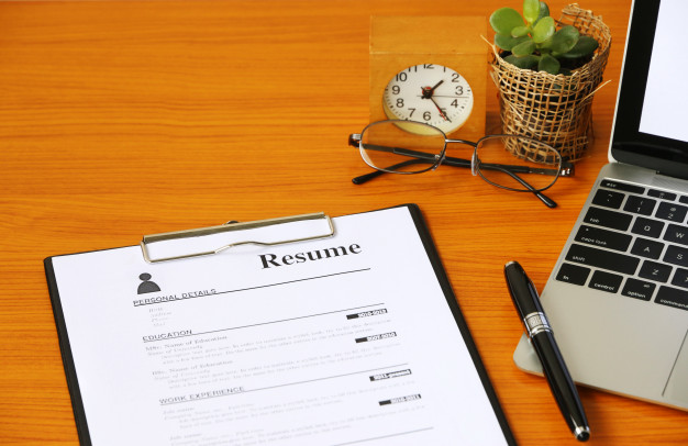 Premium Photo | Resume on table office business